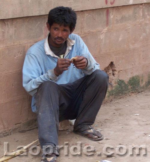 homeless-people-in-laos-1.jpg