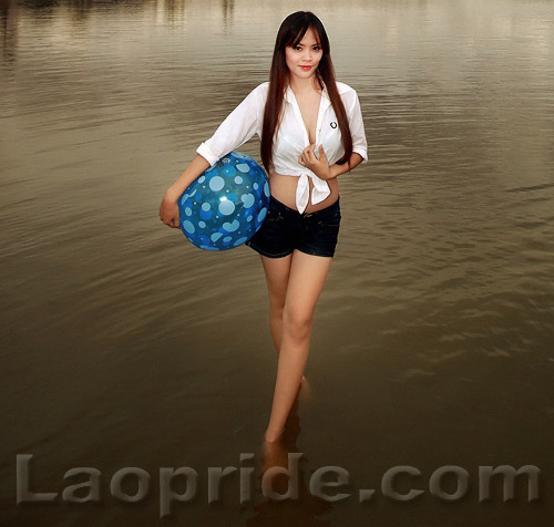 lao-girl-in-the-shallow-mekong-river-2.jpg