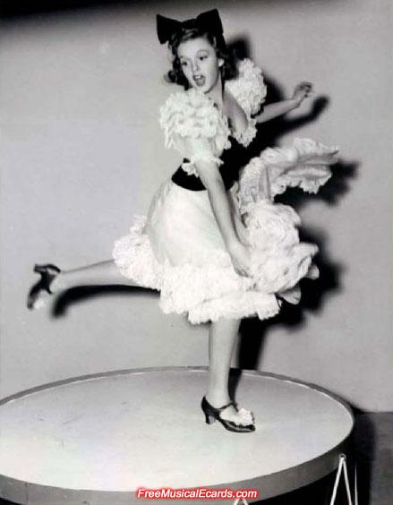 Judy Garland dancing