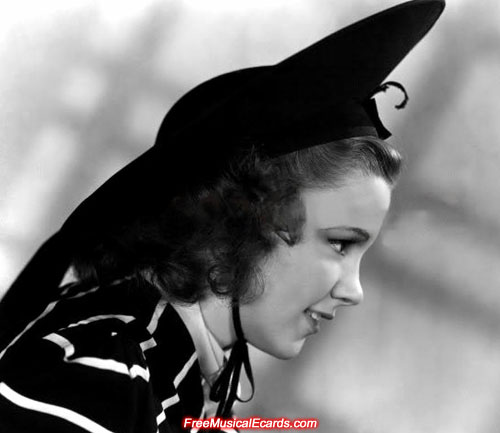 Judy Garland publicity photo in The Wizard of Oz (1939)