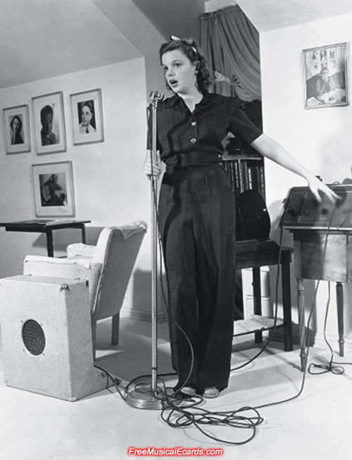 Judy Garland singing in her master suite