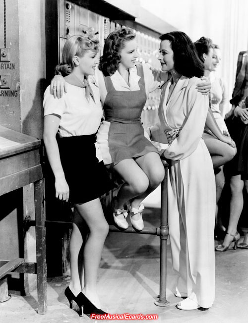 Judy Garland (sitting), Lana Turner (left) and Hedy Lamarr (right)