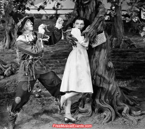 Dorothy (Judy Garland) and the Scarecrow (Ray Bolger)