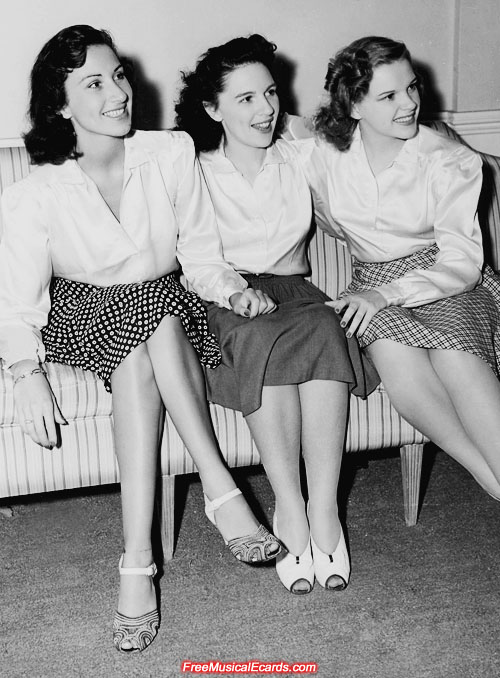 Judy Garland with her older sisters Virginia and Dorothy