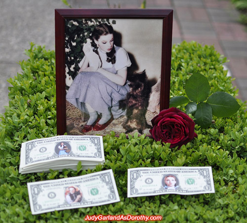 Judy Garland as Dorothy legal tender one dollar bills for donation