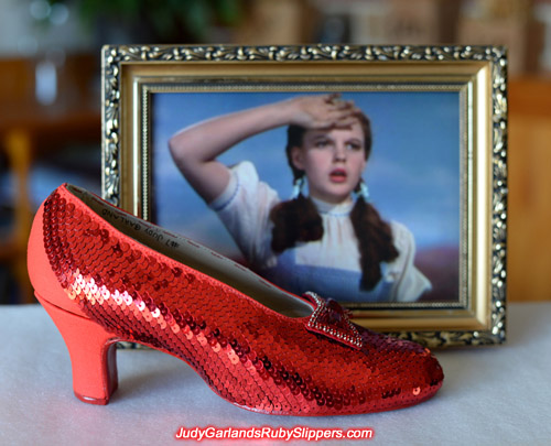 Update on the right shoe of Judy Garland's ruby slippers