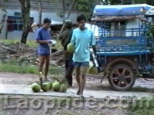 Rare images of Laos in 1992