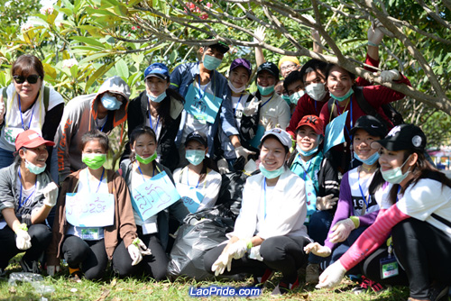 Students in Vientiane picking up litter in the park