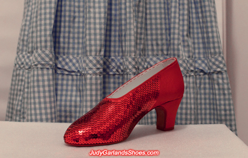 Beautiful sequining continues on the right shoe