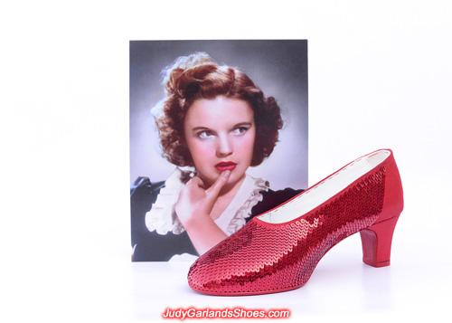 US women's size 10 right shoe is taking shape
