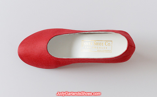 Innes Shoe Company golden debossed label