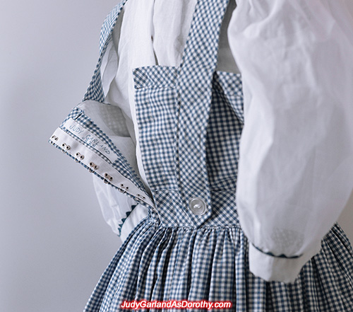 Judy Garland 4228 label at back of dress