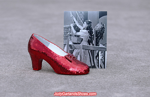 Sequined size 5B right shoe, March 2021